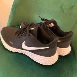Nike Revolution 5 Runners Women's